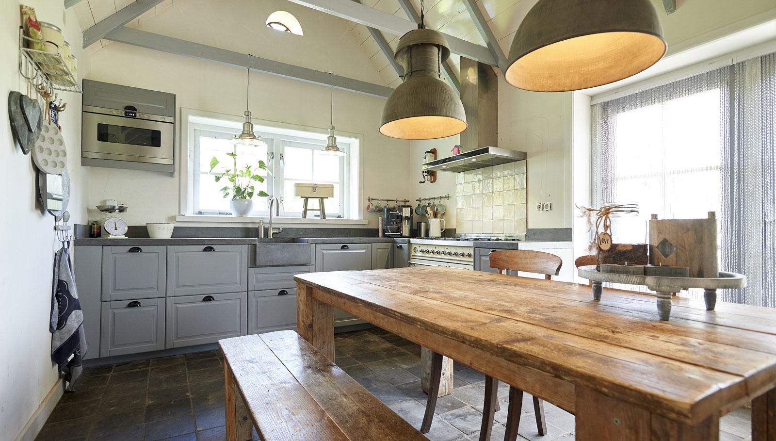 keuken-verbouw-koepad-epe-woonboerderij-bouwbedrijf-sterken-vaassen-2